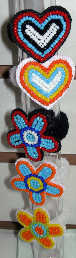 Image Indian Bead Heart and Flower pony