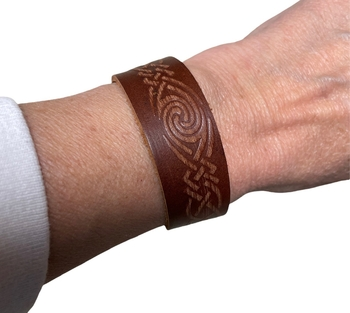Image Wide leather Embossed Snap Bracelet