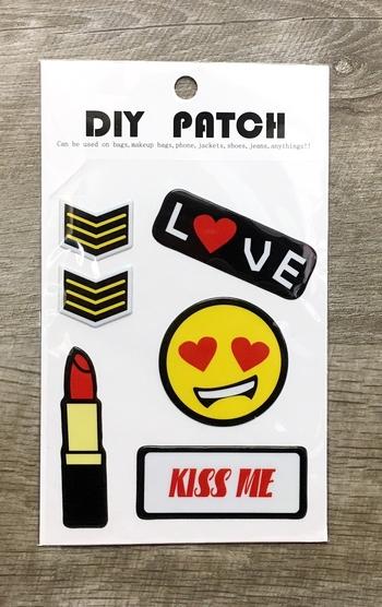 Image Puffy Kiss Me Sticker