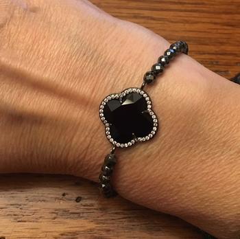 Image Clover Beaded Bracelet