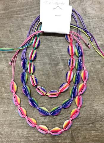 Image Tie Dye All around Shell Necklace