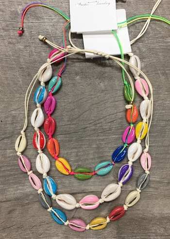 Image Rainbow All around Shell Necklace