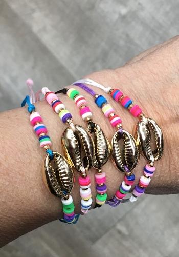 Image Metallic Shell with Rainbow Pull Tie Bracelet