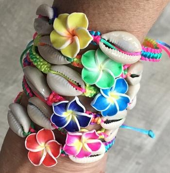 Image Flower & Shell Rainbow Pull Tie Bracelet